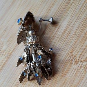 Jewelry - Costume Skrew Back Earrings